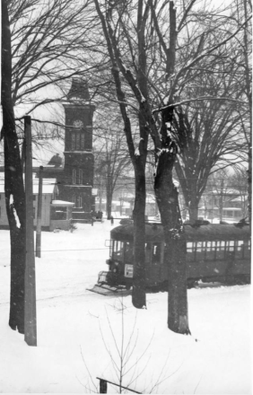 Trolley passes First Presbyterian