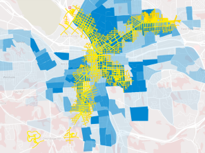 Population in blue, streets within walking distance of a BRT stop in yellow